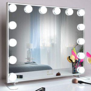 Espejo con luz LED y diseño atractivo