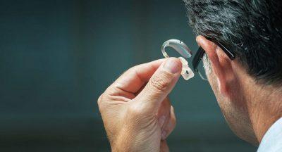 Precio de los audífonos para la sordera y qué funciones marcan las diferencias de precios