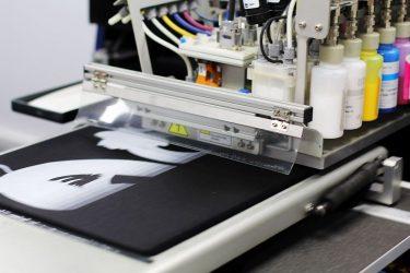 Tamaños y pautas de impresión textil y merchandising